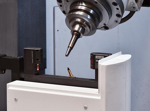 Senzor laser pentru calibrare scule centru dublă coloană Okuma MCR-S